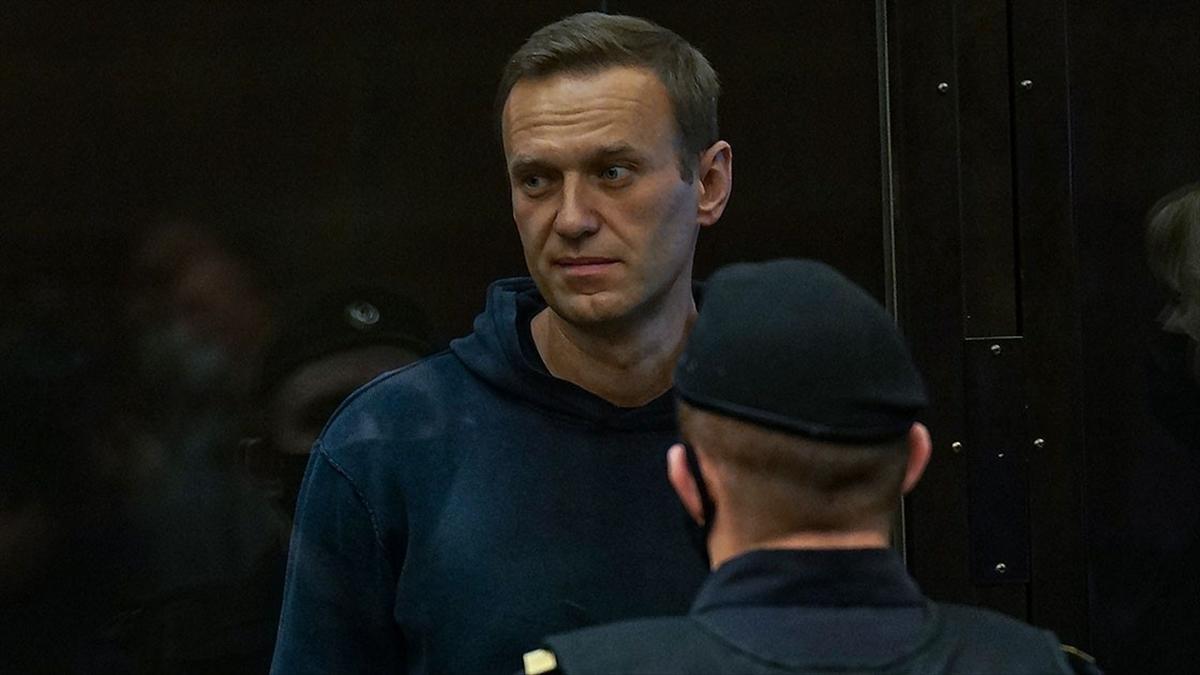 Rus muhalif Navalnıy adli kontrol şartlarını yerine getirmediği için hakim karşısında
