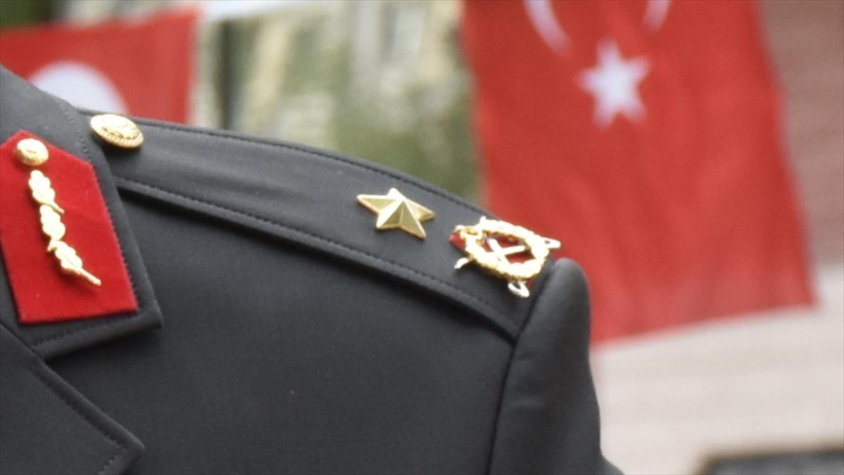Emekli tuğgeneral rütbesini FETÖ elebaşının taktığını itiraf etti