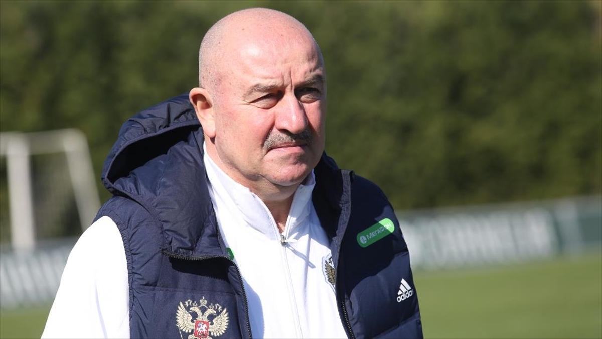 Rusya A Milli Futbol Takımı Teknik Direktörü Cherchesov'dan Antalya'daki Kovid-19 tedbirlerine övgü