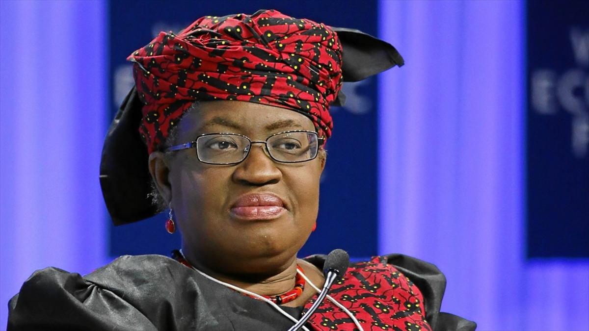 DTÖ'nün ilk kadın ve Afrikalı genel direktörü Okonjo-Iweala renkli kişiliğiyle dikkati çekiyor