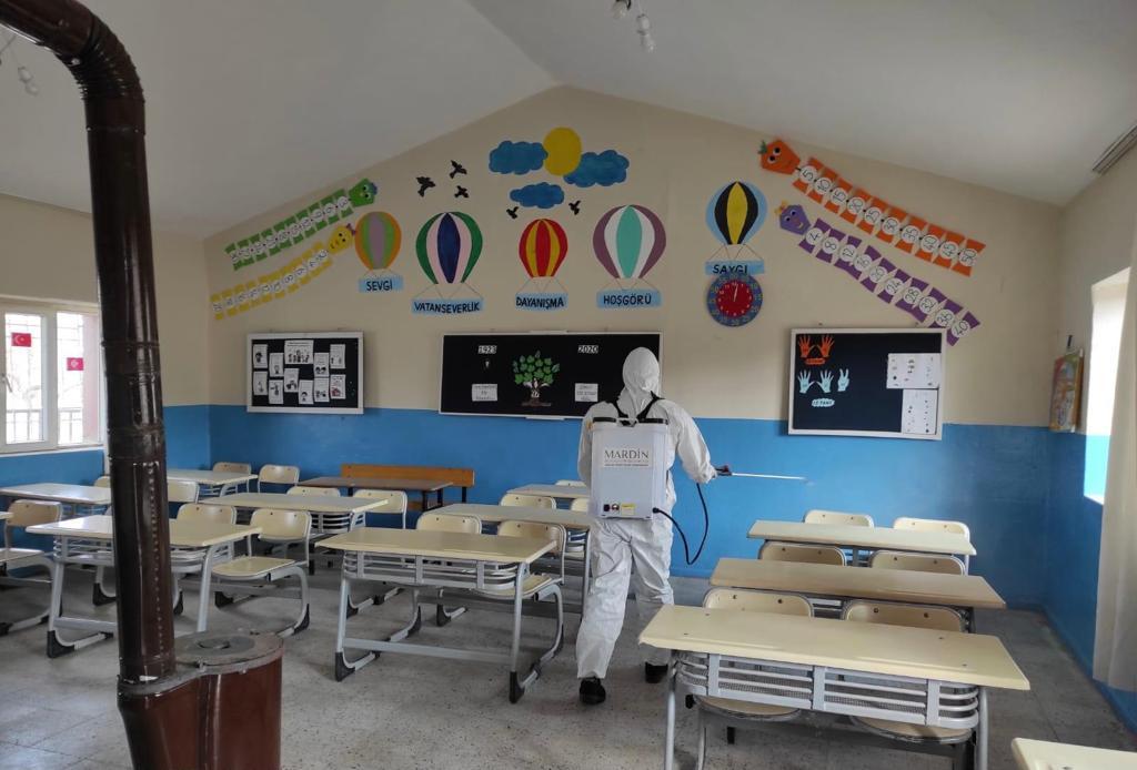 Kırsal Mahalledeki Tüm Okullar Dezenfekte Edildi