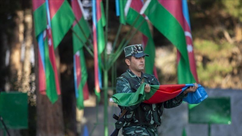 Azerbaycan ordusu, Dağlık Karabağ'daki savaşta 2 bin 895 şehit verdi