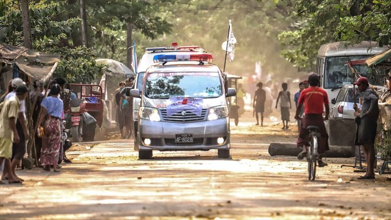 Myanmar'da ordunun protestoculara müdahalesinde şimdiye kadar 52 çocuk hayatını kaybetti