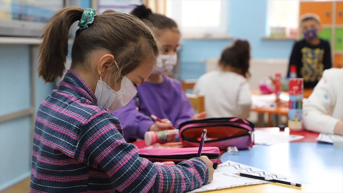 Öğrenciler, 2020-2021 eğitim-öğretim yılı karnelerini 18 Haziran'da alacak