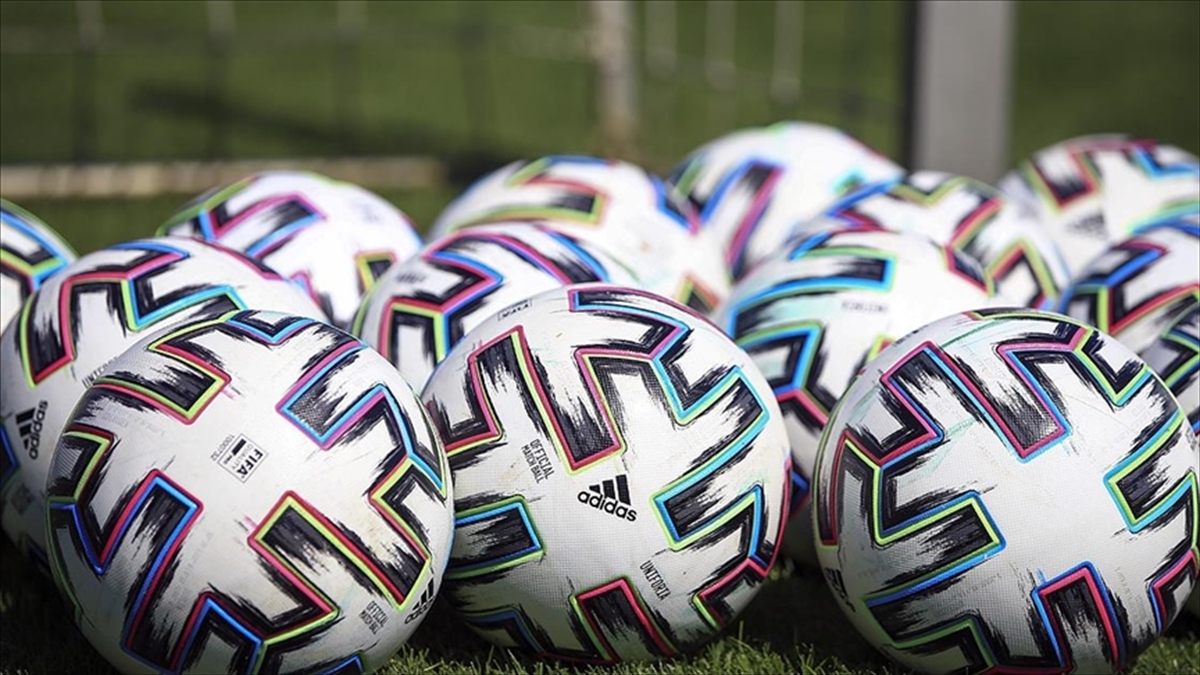 Futbolda 2021-2022 sezonu transfer dönemleri açıklandı