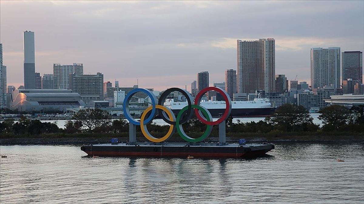 Tokyo Olimpiyat Oyunları müsabaka yerleşkelerinde alkollü içecek satışının yasaklanmasına karar verildi