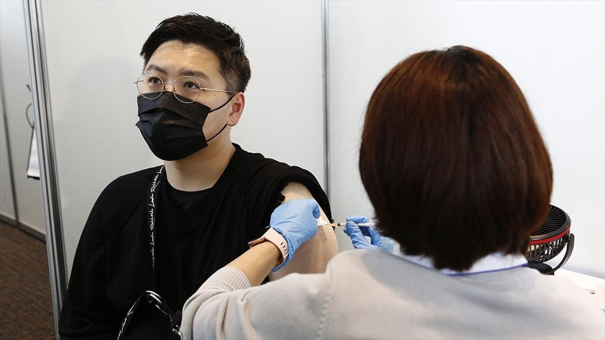 Dünya genelinde 2 milyar 960 milyon dozdan fazla Kovid-19 aşısı yapıldı
