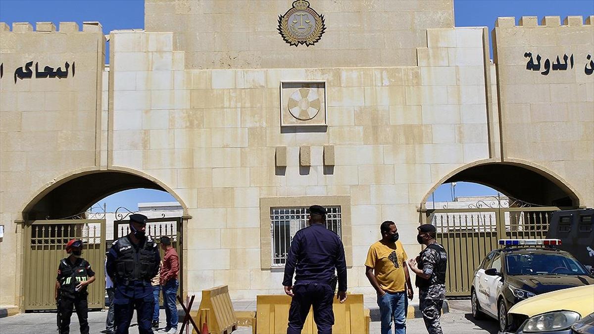 Ürdün'de darbe girişimi davasında yargılanan iki sanığa 15'er yıl hapis cezası