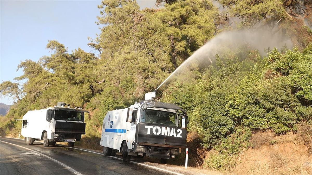 Antalya ve Muğla'daki yangınların söndürülmesi için 112 TOMA görev yapıyor
