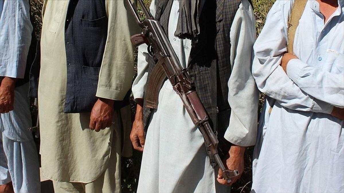 Afganistan'da Taliban ikinci vilayet merkezini ele geçirdi