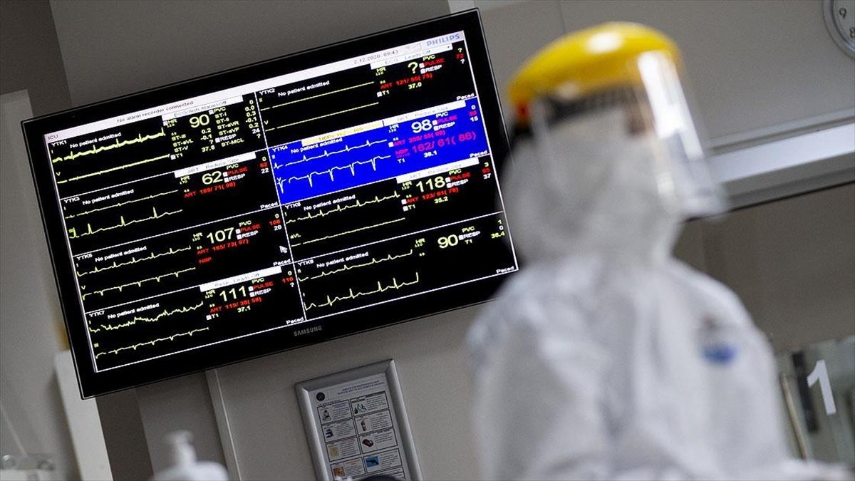 Antalya'da sağlık çalışanlarının yıllık izinleri iptal edildi