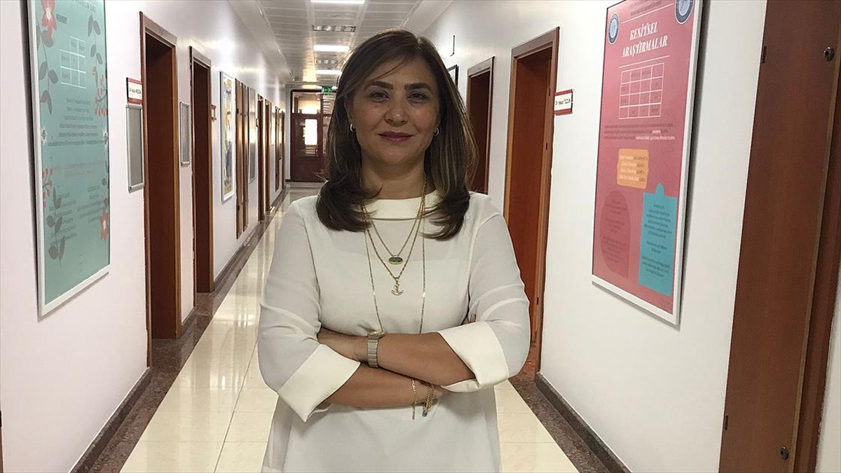 DSÖ'nün bağışıklama uzmanı Prof. Aksakal: İleride kronik hastalar ve yaşlılara düzenli Kovid-19 aşısı önerebiliriz