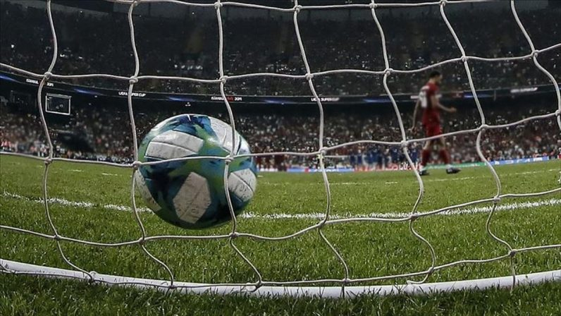 UEFA Şampiyonlar Ligi'nde heyecan 3. maçlarla sürecek