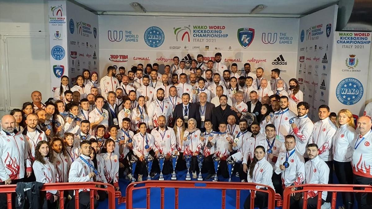 Türkiye'den Dünya Kick Boks Şampiyonası'nda 42 madalya